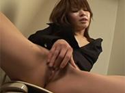 Asia Fotze wird hart massiert