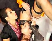 Lesben Golden Shower Gruppenfick