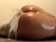 Milcheinlauf spritzt aus Arschfotze