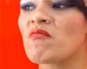 Sexy Webcam Schlampe frisst ihre Kacke